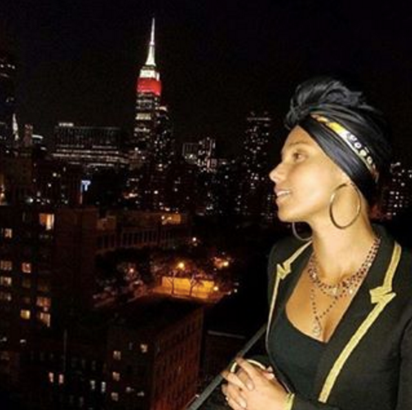 Alicia Keys wearing the VSA  Hamsa Magdalena