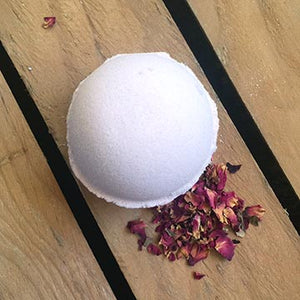 AVS 119 Bath Bomb with vanilla, rose, jasmine and cocoa