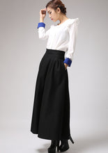 Load image into Gallery viewer, Black wool maxi skirt for winter,  warm skirt with pleated wasitd 0722#