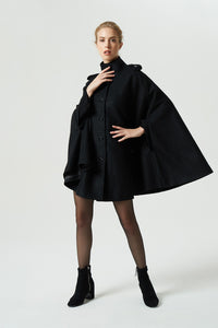 loose fitting cape