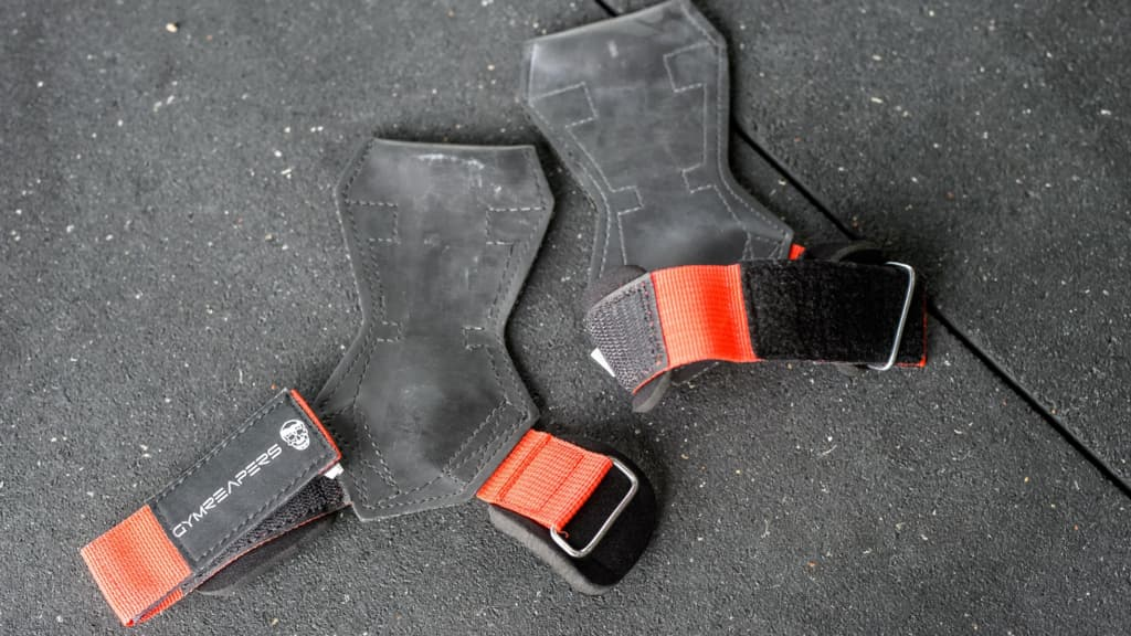 Lifting grips in red color
