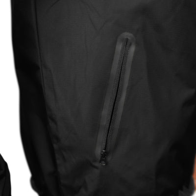 Gymreapers windbreaker in black pocket details