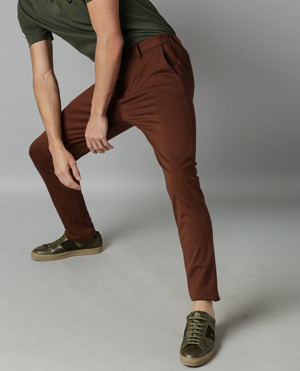 TURNS-SOLID STRETCH TROUSER-BROWN TROUSERS RARE RABBIT