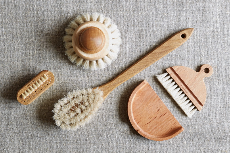 ethically produced iris hantverk brushes