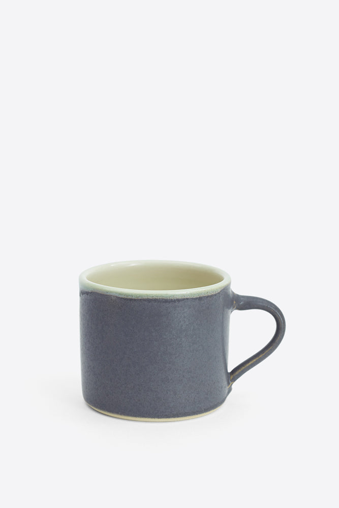 Small Hand Thrown Mug - Charcoal - Oggetto