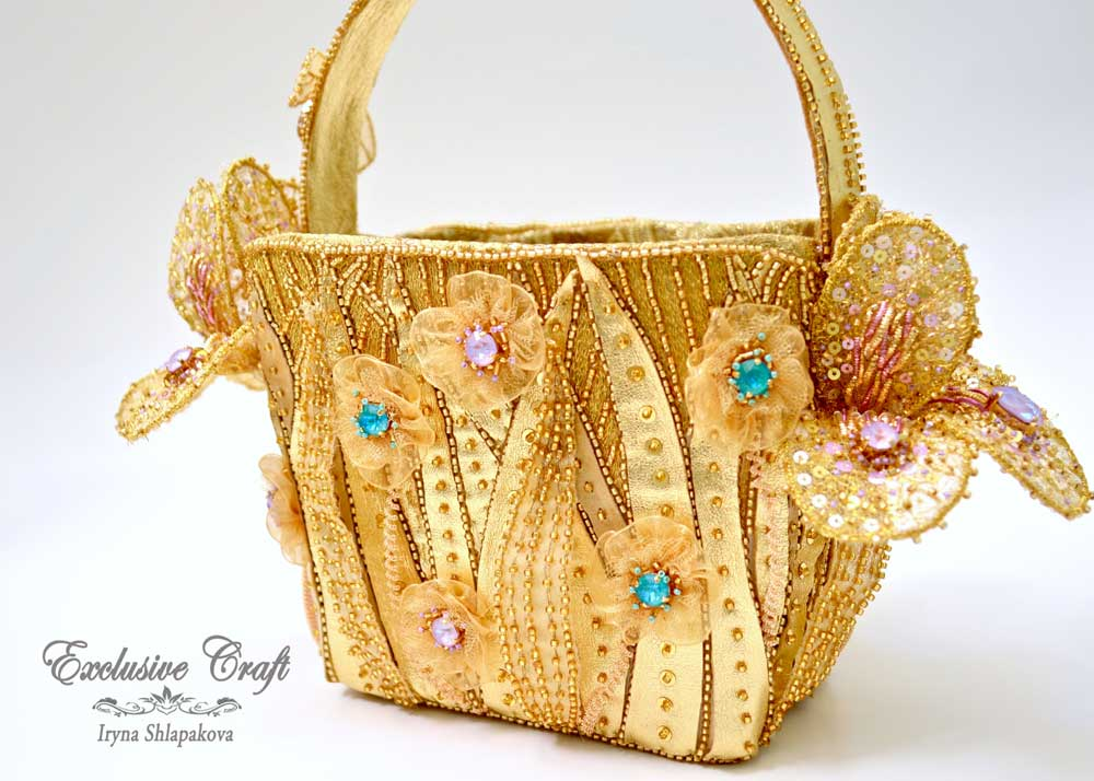 tambour embroidered flower basket purse golden