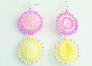 beaded earrings pink