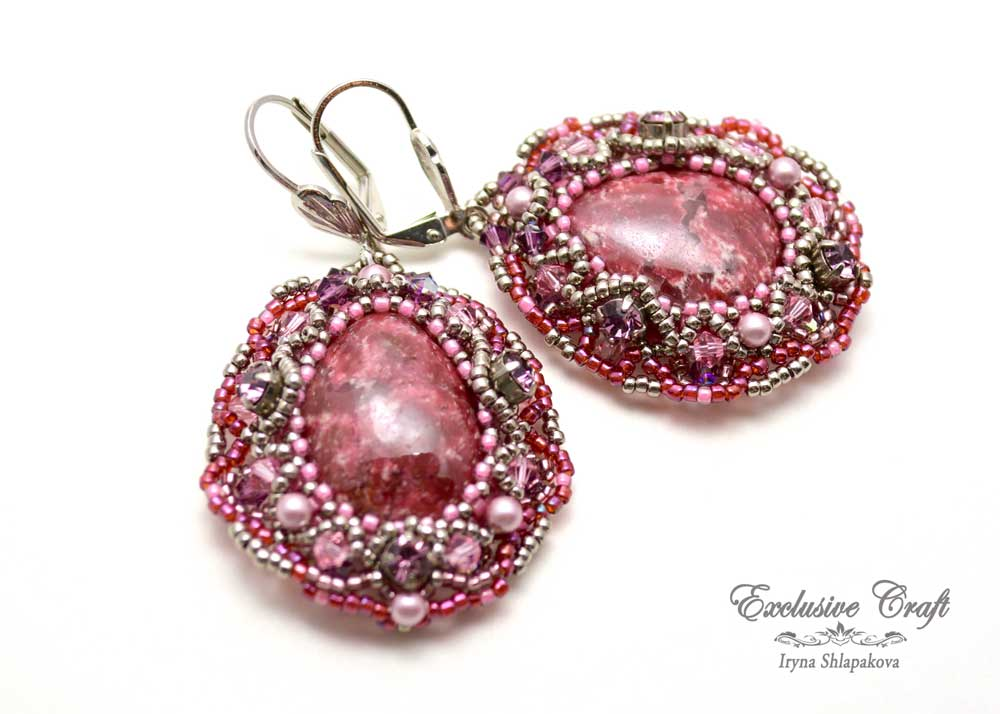 handcrafted beaded earrings with Piemontite