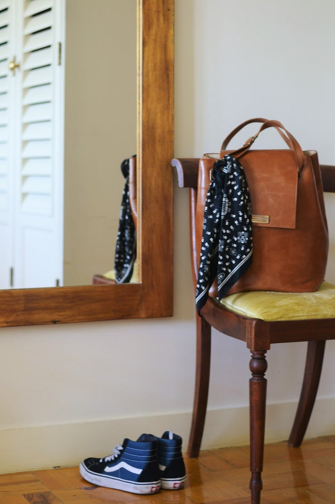 Women LARGE BAG in brown LEATHER