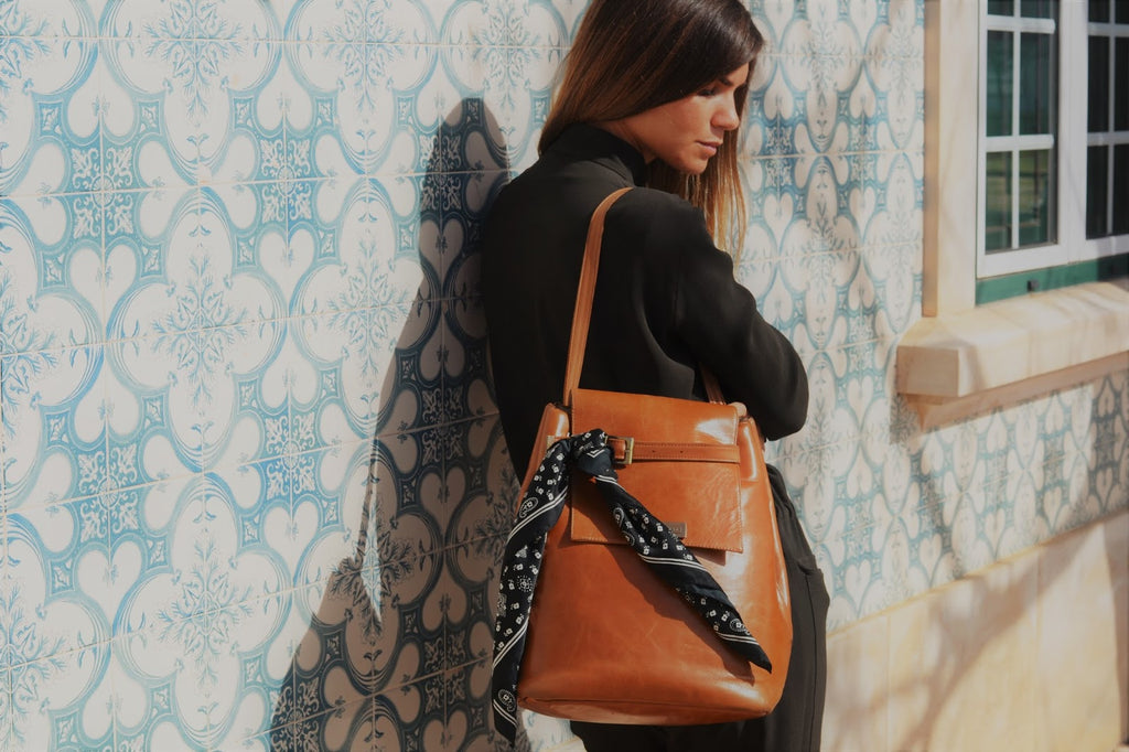 big handbag in brown leather