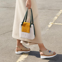 HANDBAG-SHEARLING-WHITE-AND-YELLOW