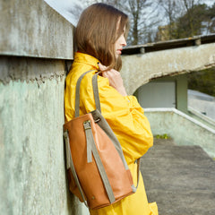 drawstring-backpack-brown-leather--Amber