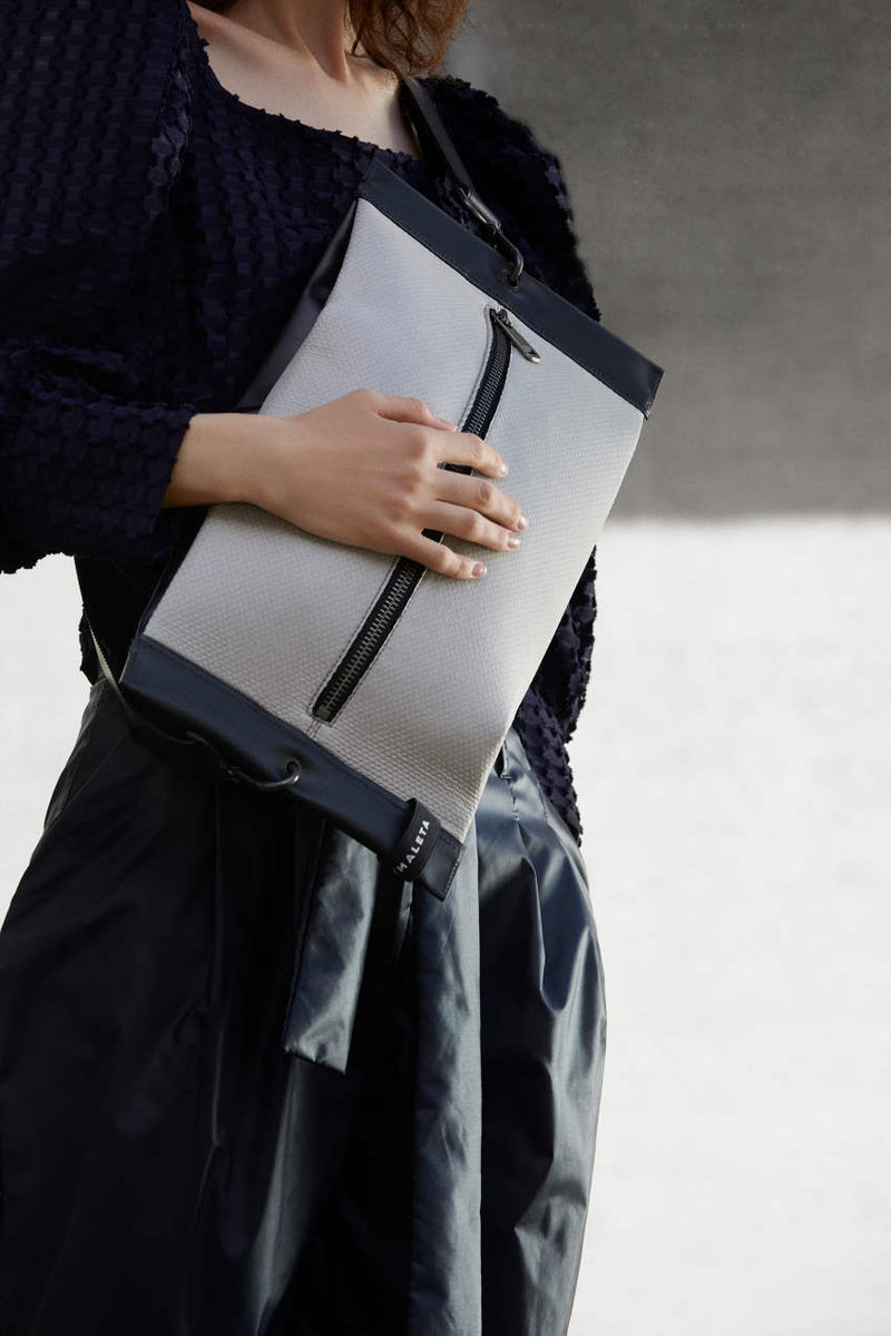 women-Shoulder-bag-grey-and-black-leather