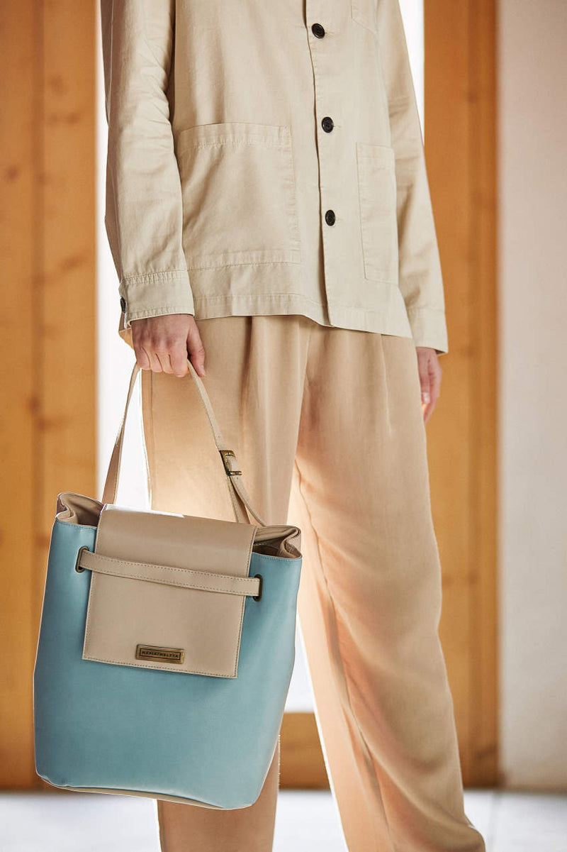 shoulder bag in soft blue leather