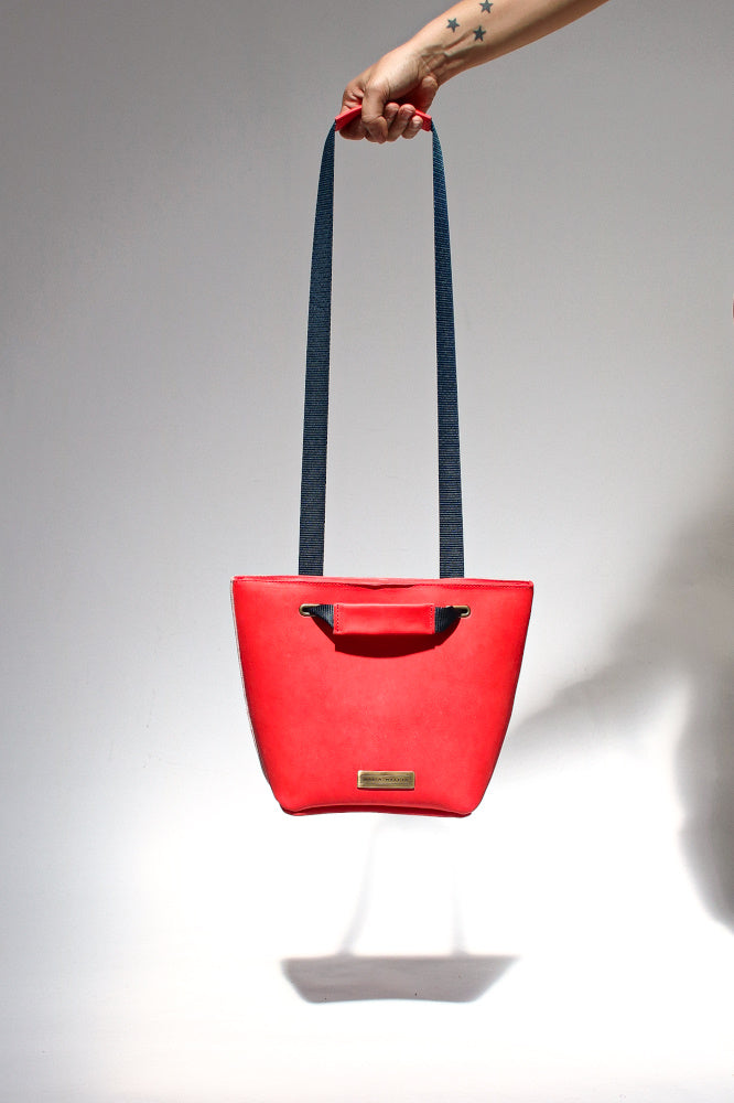 small basket bag in red