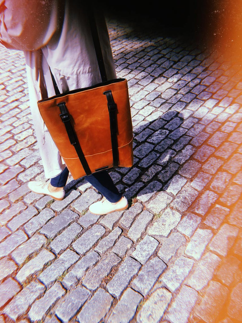 tote-backpack-brown-leather-women