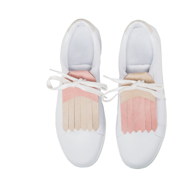 shoe with fringe accessory in beige and pink leather