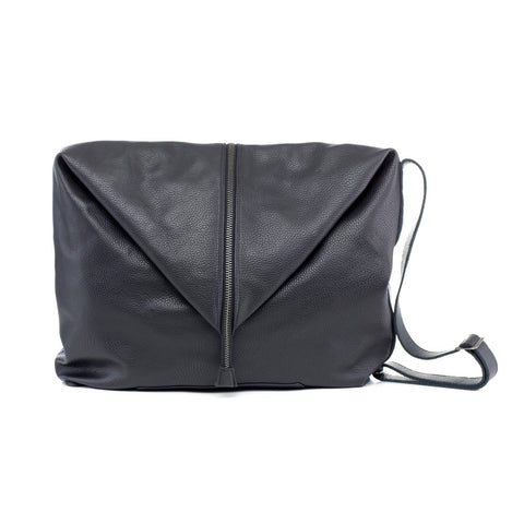 man shoulder bag leather black