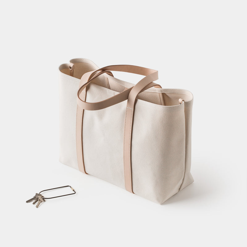 Cano Leather Handle Tote Natural angle
