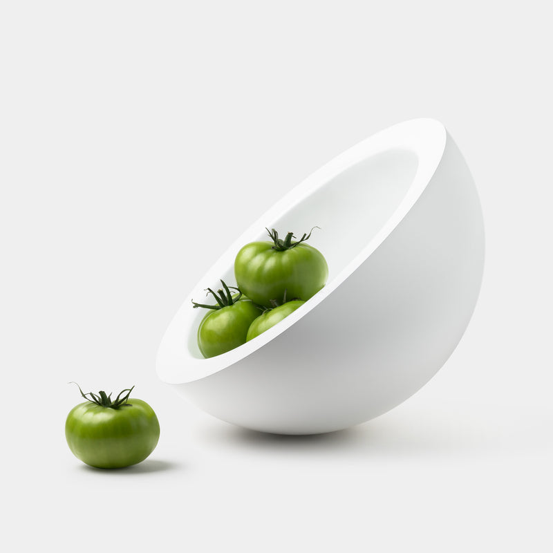 John Pawson Hemisphere Bowl – White Lacquered with tomatoes