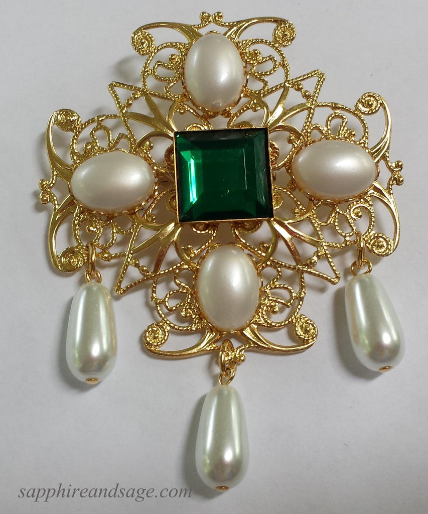 """Caroline"" Oversized Brooch"