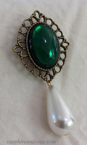 """Elinor"" Brooch"