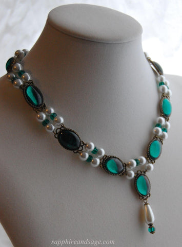 Maria Renaissance Necklace in Emerald Green - Ready to Ship