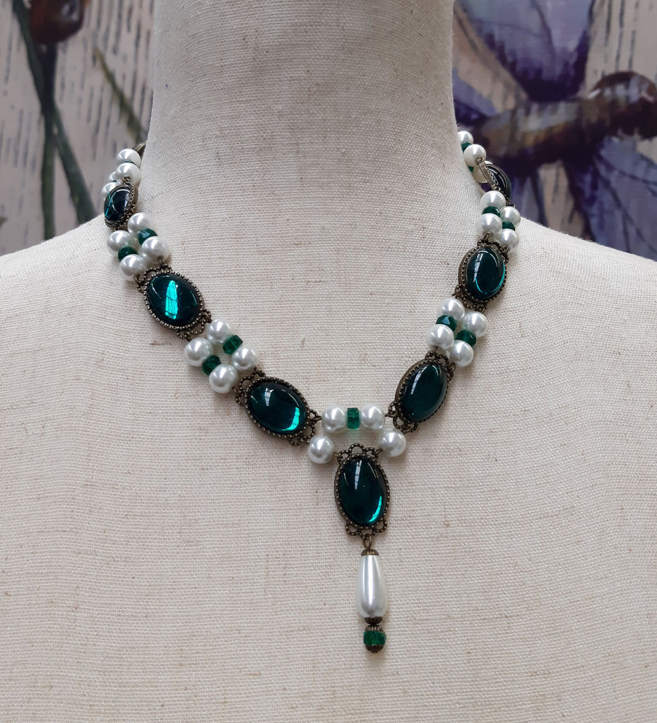 """Maria"" Renaissance Necklace in Emerald Green - READY TO SHIP"