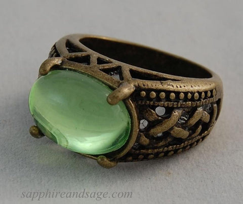 """Gerald"" 25x18mm Beaded Border Finger Ring"
