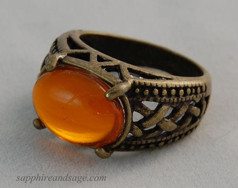 """Gabriel"" 14x10mm Celtic Finger Ring"