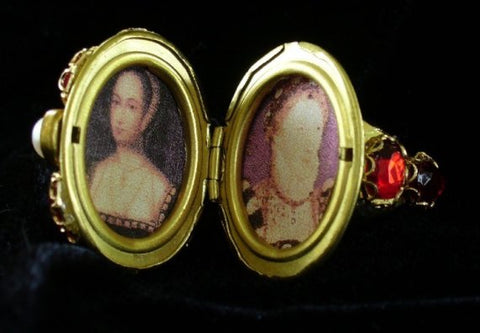 """Queen Elizabeth I"" Museum Piece Replication Locket Finger Ring"