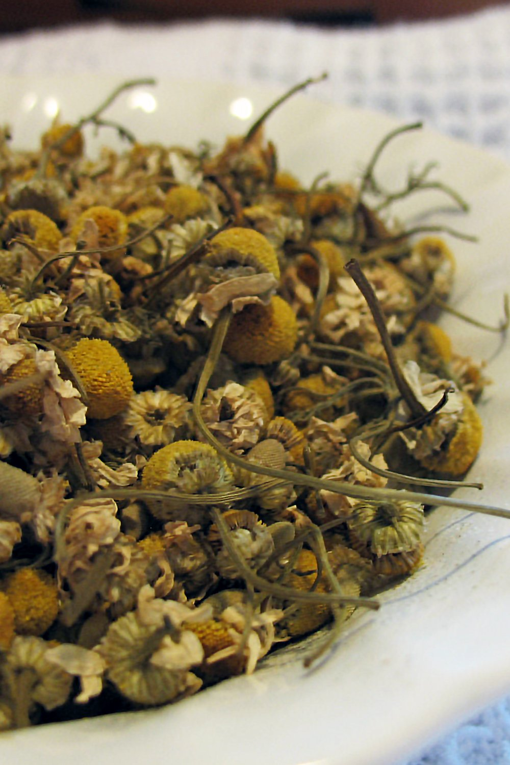 organic german chamomile flower tops- chamomile tea