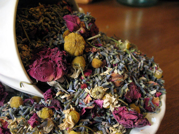 fresh dried herbal potpourri for wedding toss, petal confetti and freshening up your home. A pretty blend of rose buds, rose petals, lavender buds and chamomile flowers.