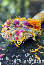 Load image into Gallery viewer, Cutting Garden • Organic Herbal Potpourri - Lizzy Lane Farm Apothecary