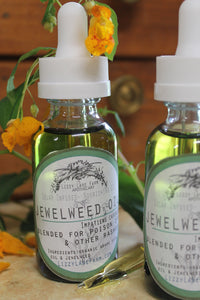 jewelweed poison ivy relief oil