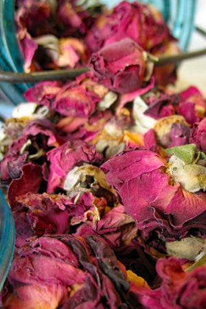 organic fresh dred red rose buds and petals