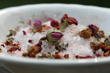 Load image into Gallery viewer, Rose Geranium Pink Himalayan Bath Salts- herbal tub tea - Lizzy Lane Farm Apothecary