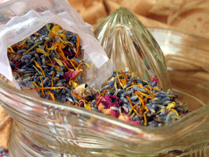 Cutting Garden • Organic Herbal Potpourri - Lizzy Lane Farm Apothecary