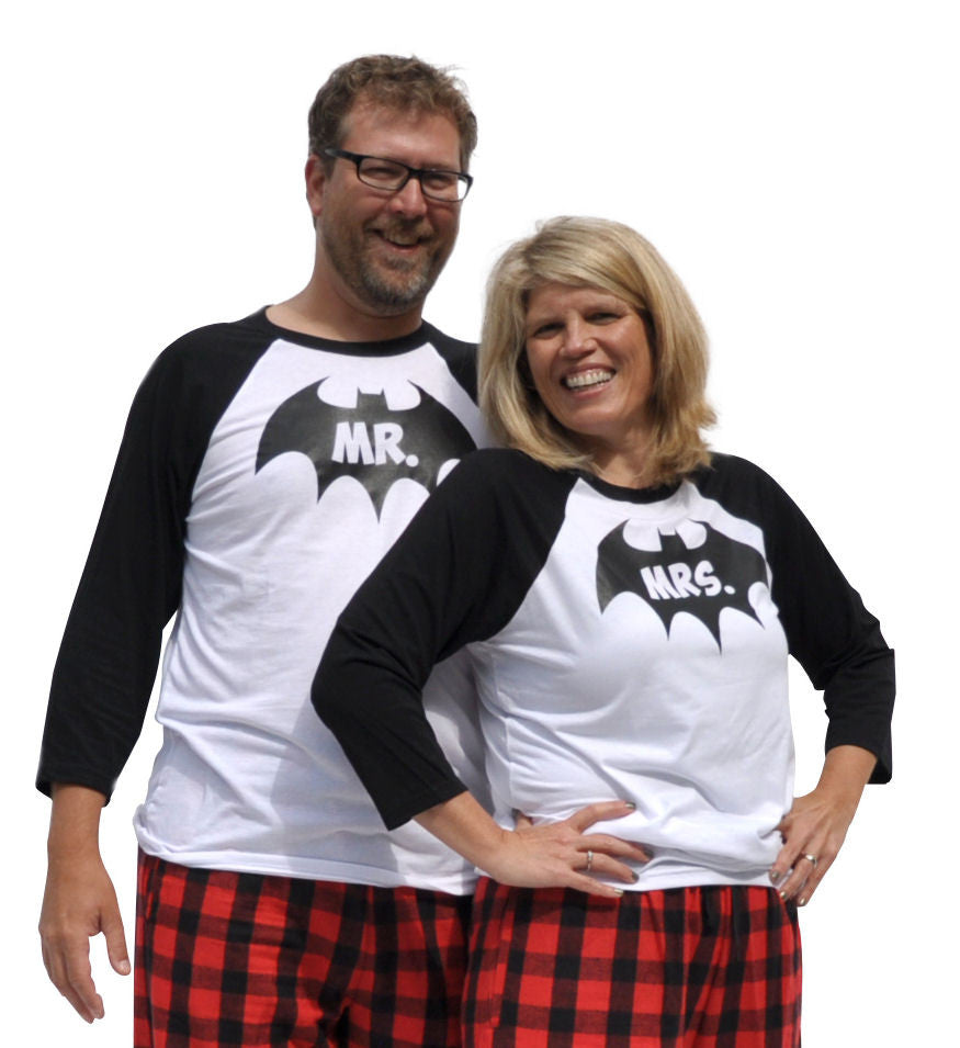 Mr. & Mrs. Bat Hero Matching Couples Red & Black Three-Quarter Sleeve Flannel Pajamas Set