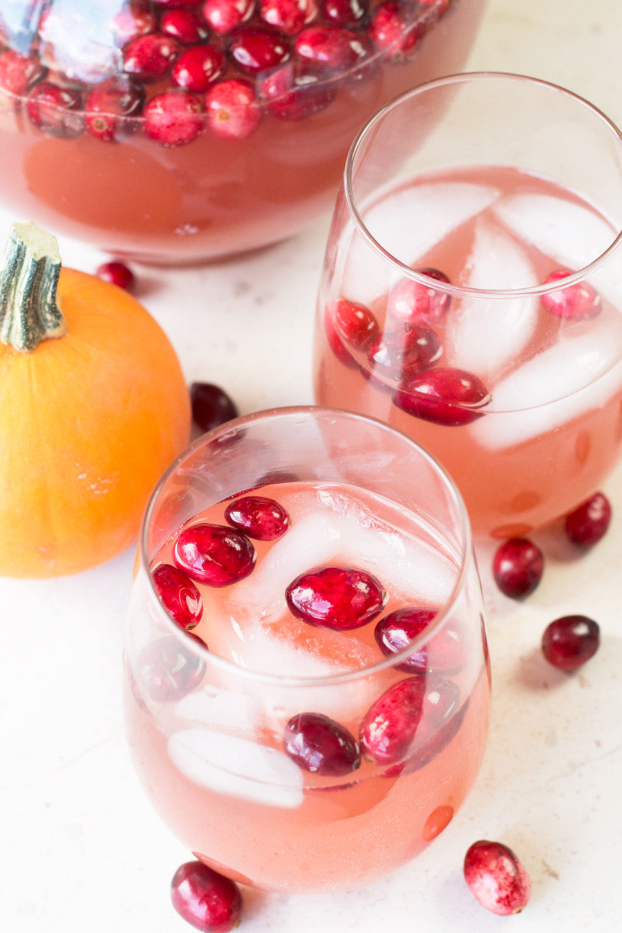 Bubbly Thanksgiving Sangria | cakenknife.com