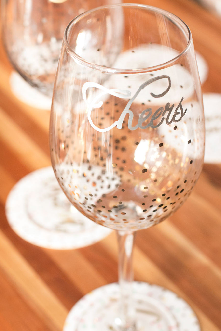 DIY Holiday Wine Glasses | Sauce + Style
