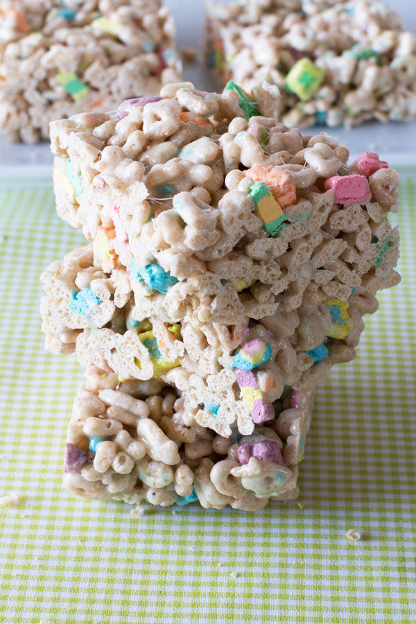 Lucky-Charms-Marshmallow-Squares-3