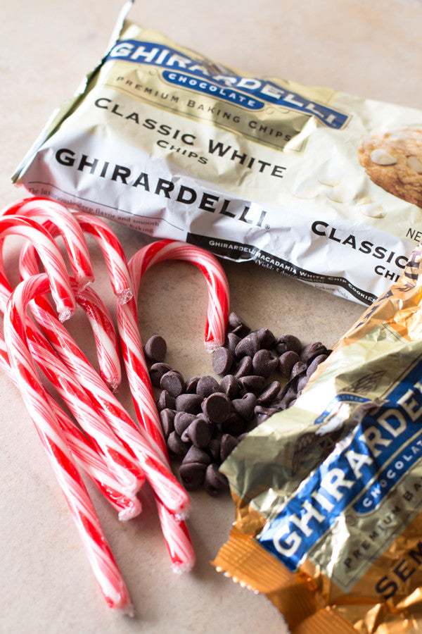 Easy Peppermint Bark | www.sauceandstyle.com