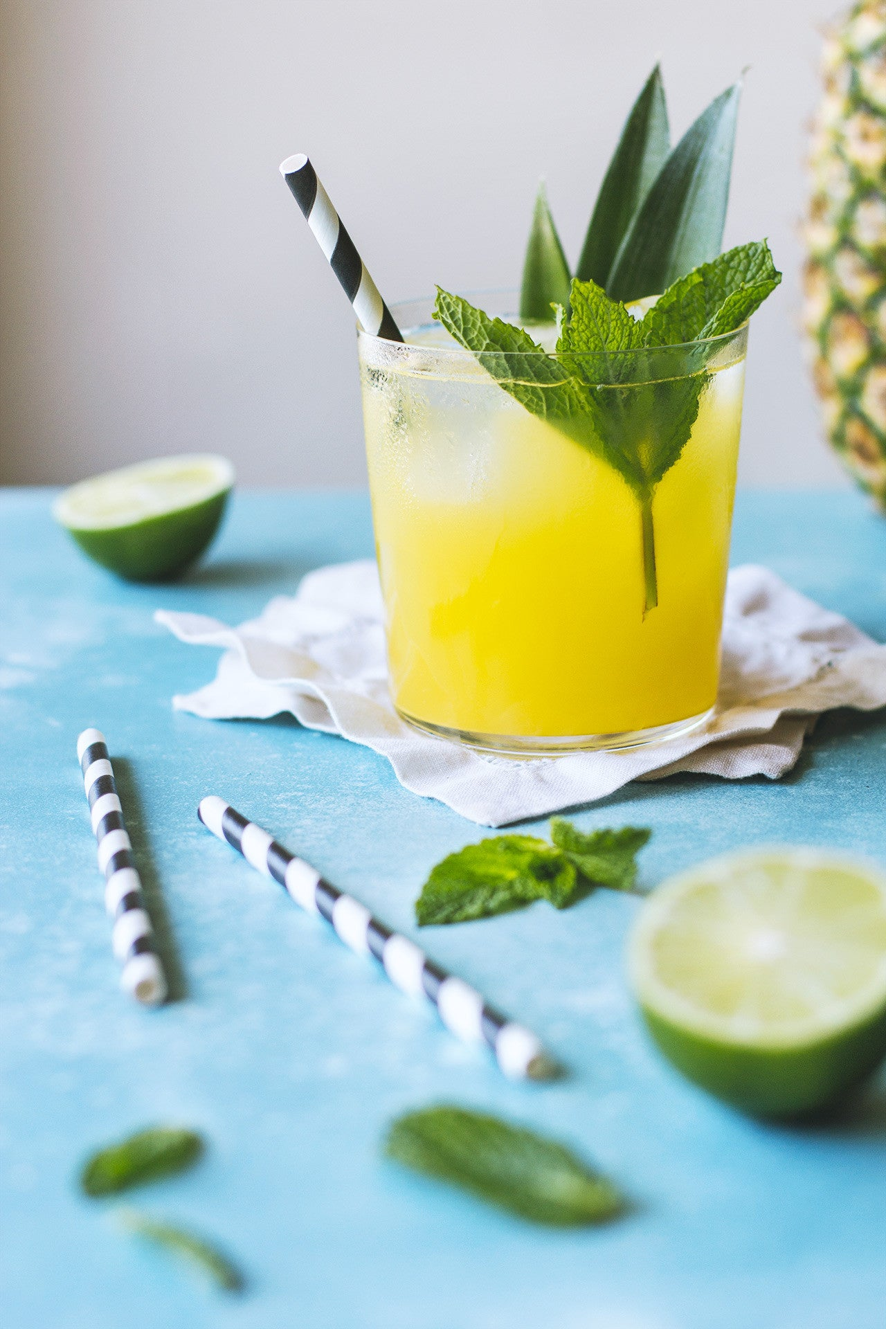 Summer Sippin' Cocktails Round Up   Sauce + Style