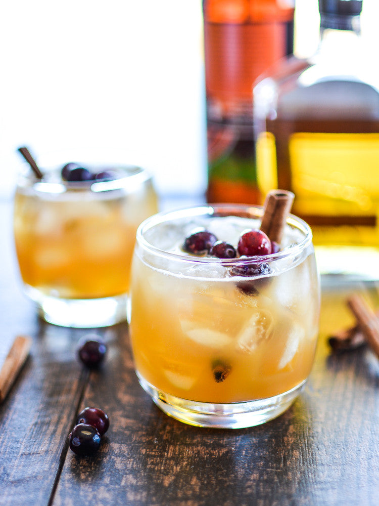 15 Fall Cocktails to Keep Your Tailgating Spirits High (and Extra Boozy) | cakenknife.com