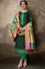 Evergreen Top With Trouser And Banarasi Dupatta