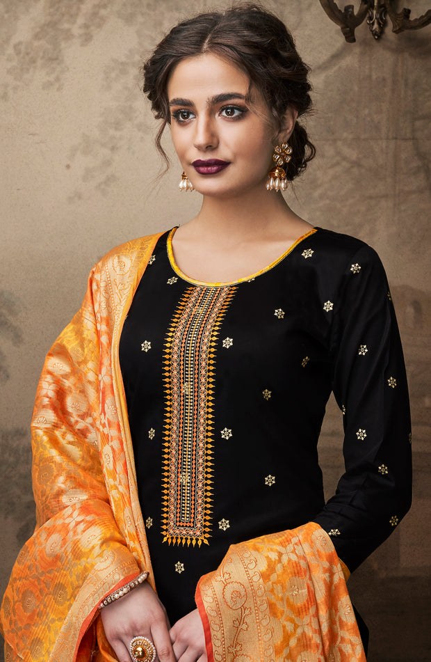 Ebony Black Top With Trouser And Banarasi Dupatta