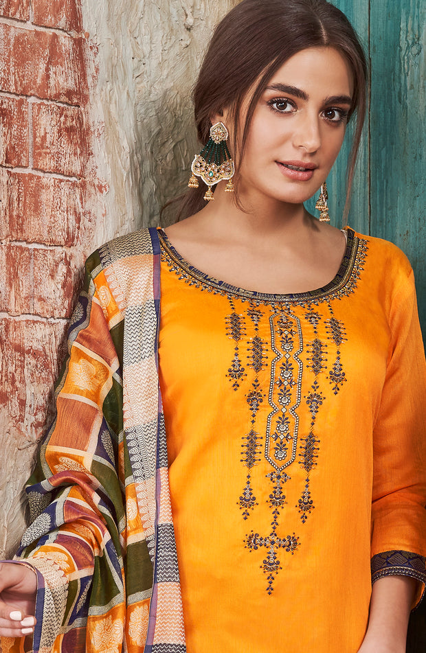 Charming Chanderi Embd Top With Banarasi Silk Dupatta