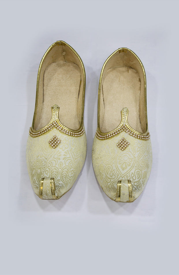 Mens Brocade Cream Jaipuri Mojari