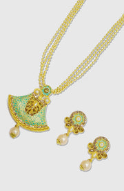Ethnic Green Pendant Set